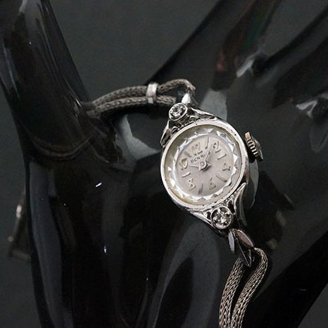 ベンラス 2ポイントダイヤ装飾 偶数字アラビックインデックス レディースアンティークウオッチ