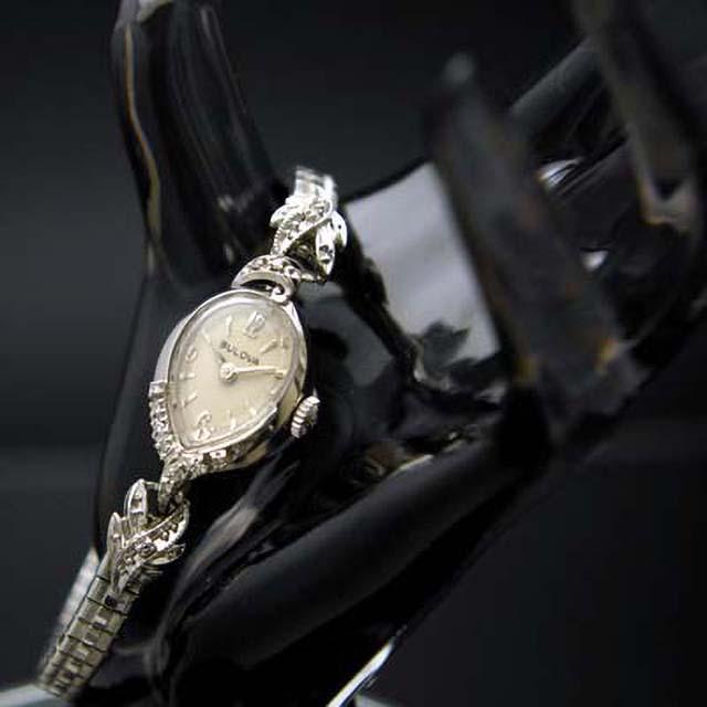 ブローバ ティアドロップ型 14KWG ダイヤ装飾 レディースアンティークウオッチ プリズム風防 分解掃除済み
